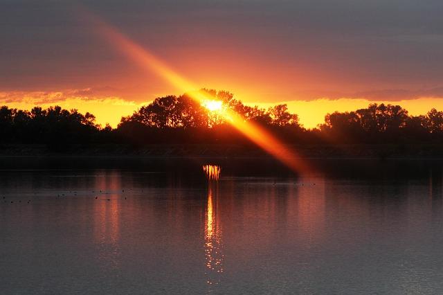 sunset-122980_640