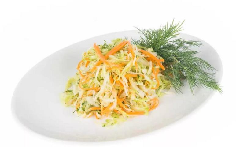 Салат из свежей капусты и морской капусты рецепт
