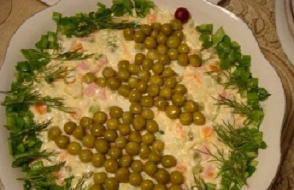Как оформить салат оливье с