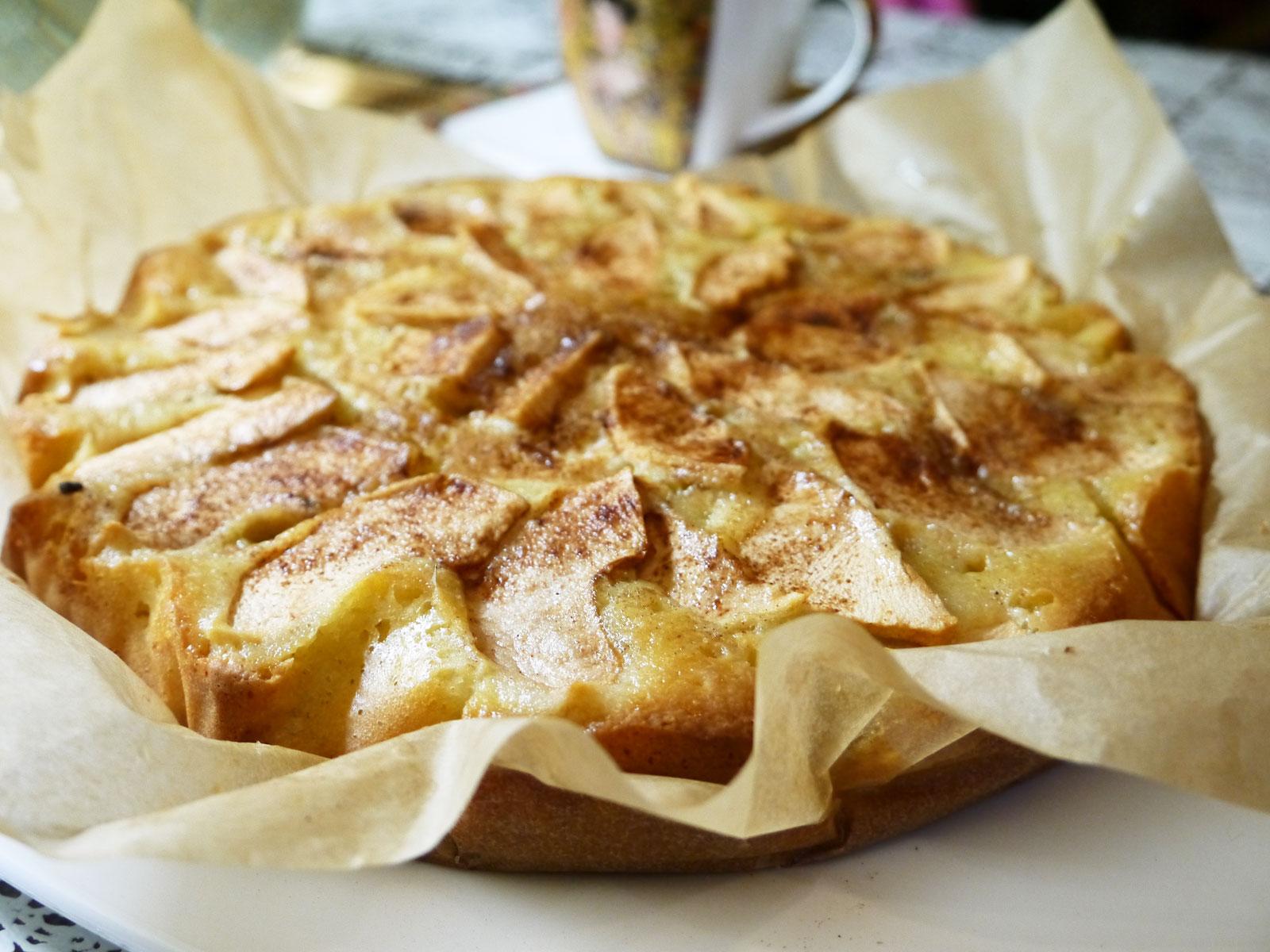Вкусная шарлотка с яблоками. Рецепт с фото яблочного 60