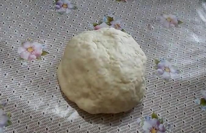 Тесто для домашних пельменей. Классические пошаговые рецепты теста, чтобы пельмени не разваривались (6 способов)