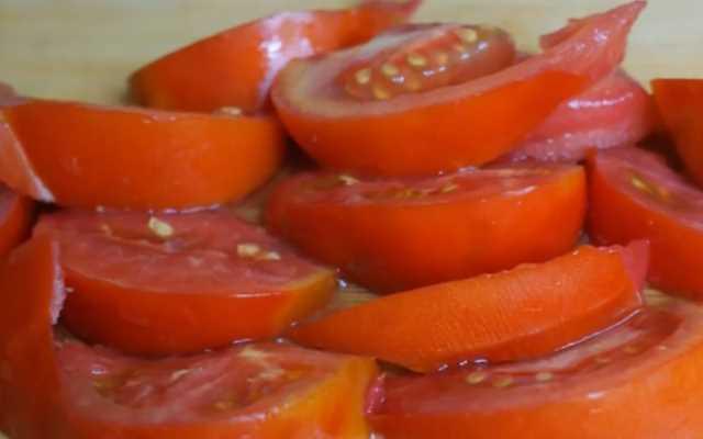 Как заменить помидоры томатной пастой в заготовках