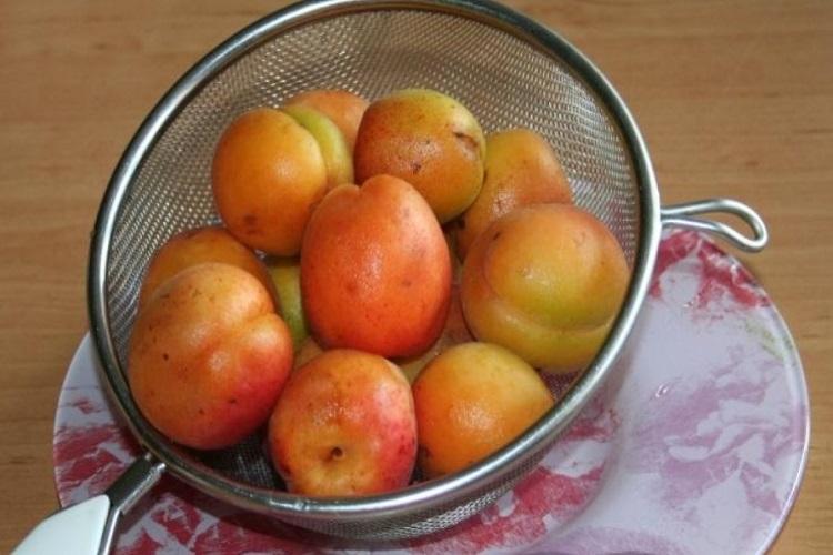 подготовить фрукты к приготовлению